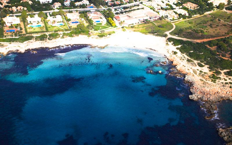 Imagen aérea de la playa de Son Xoriguer.