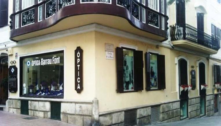 La óptica Barrau Font cumple un año en Maó.