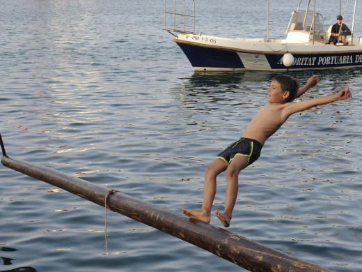 (Fotos) Maó baja al puerto para celebrar Sant Pere