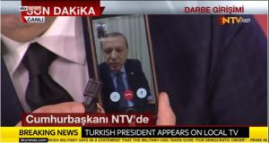 La llamamiento de Erdogan, vía FaceTime, ha dado la vuelta al mundo.