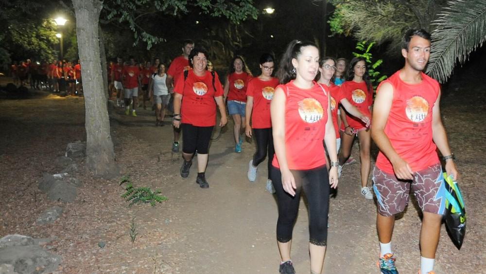Algunos participantes han hecho el trayecto a pie (Fotos: Tolo Mercadal)
