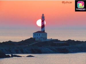 El faro de Favaritx es una de las localizaciones más fotografiadas de Menorca. (Foto: @juhcar)