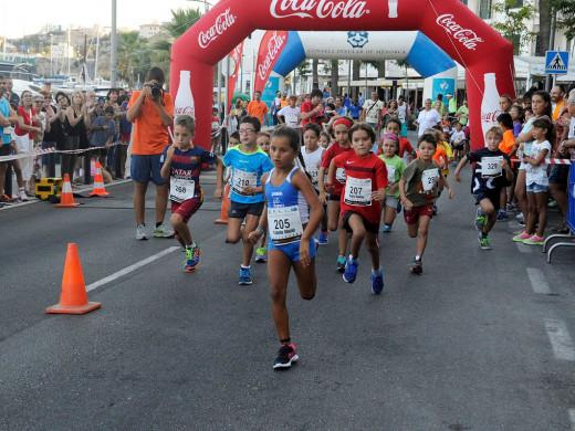 (Fotos) Atletismo y diversión en Maó