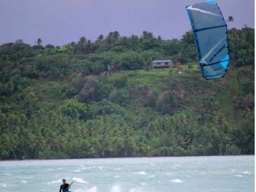 Jesse Richman: un kitesurfista de talla mundial que rueda una película en Cala Tirant