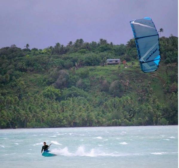 haciendo-kitesurf