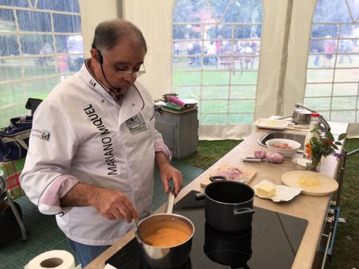 (Fotos) 'Albergínies', 'púding', 'piruletes' y 'magdalenes' con queso menorquín  para Euzkadi