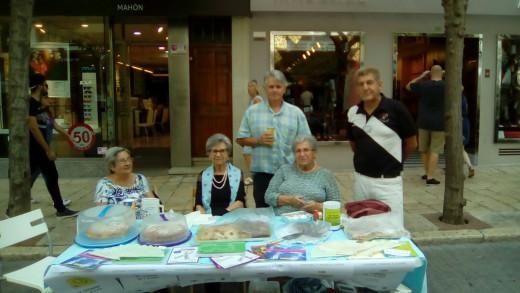 La mesa de AFAM se instaló este sábado en ses Moreres de Maó.