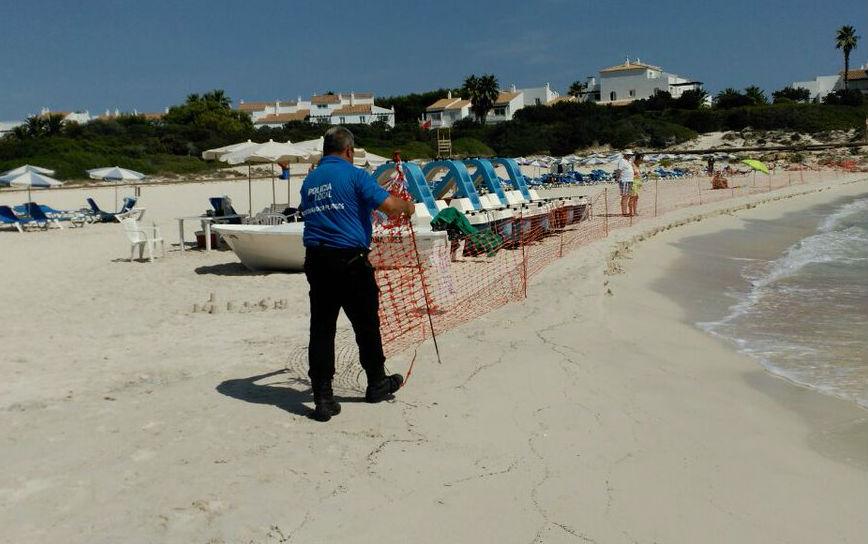 Operarios retirando las vallas (Foto: 112)