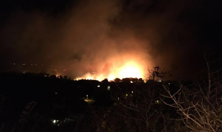 Otra imagen del fuego.