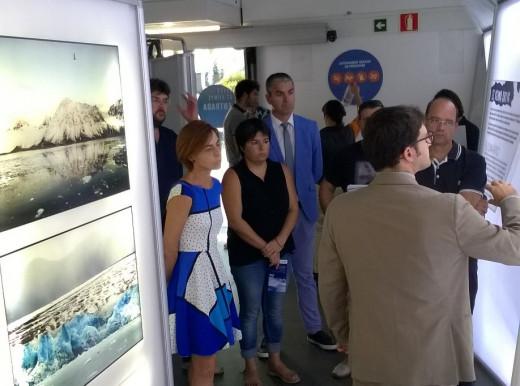 La exposición quiere concienciar de la necesidad de proteger los ecosistemas polares.