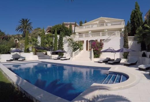 Una casa a juego con las espectaculares vistas del puerto que posee