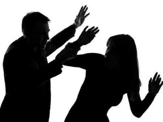 El protocolo que elaborará el Consell pretende evitar las agresiones sexistas en fiestas.