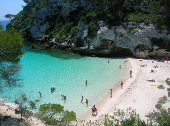 Cala Macarelleta, una grata sorpresa en la costa de Menorca