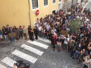 Otra secuencia de la protesta.