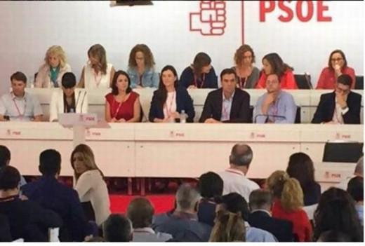 Pedro Sánchez deja un PSOE fracturado