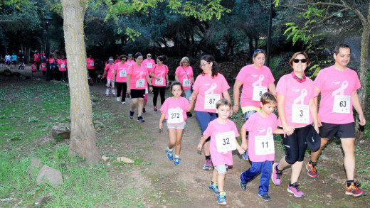 Imagen de la marcha contra el cáncer en Sant Lluís (Foto: Tolo Mercadal)