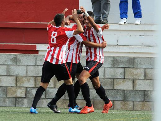 (Fotos) El Mercadal sacude al Formentera