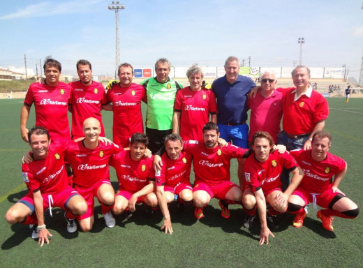 Imagen de la formación de uno de los equipos de veteranos del Real Mallorca.