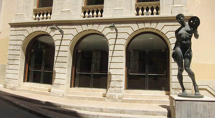 Fachada del Teatro Principal de Maó