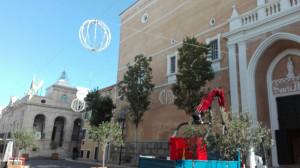 El cielo de la plaza se llenará de figuras decorativas.