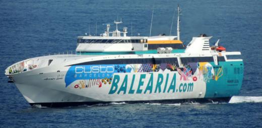 Imagen del buque Ramon Llull de Baleària.