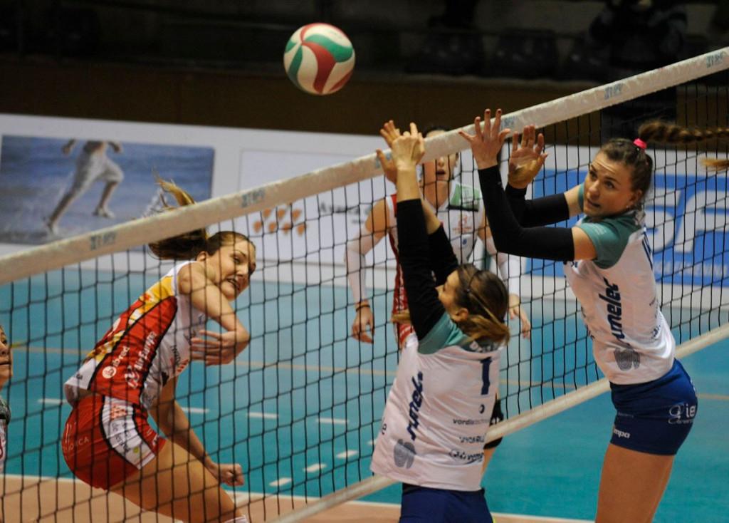 Irene Cano, en un partido de la pasada temporada ante Pamplona (Foto: Tolo Mercadal)