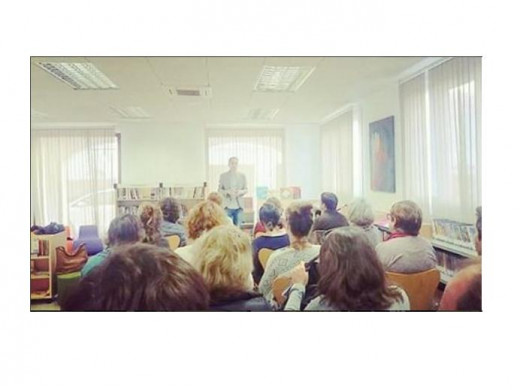 Una de las charlas que ha ofrecido Boher en las bibliotecas de Menorca