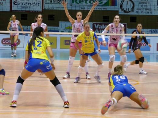 (Fotos) El Avarca de Menorca se levanta y se estrena en la Superliga