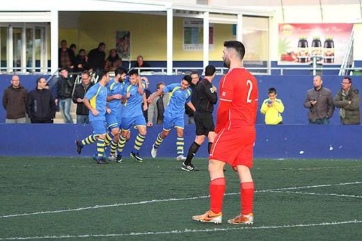 Celebración del gol de Quel Enrich (Fotos. deportesmenorca.com)
