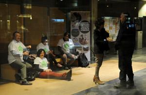 La protesta en la sede del Consell se alargó durante varias horas.