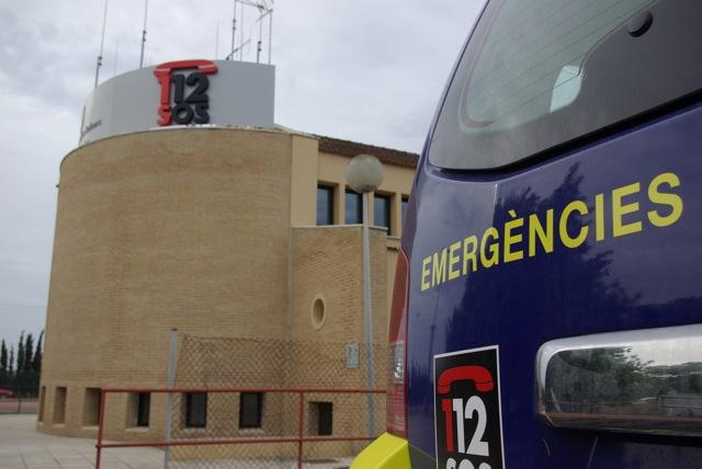 Vehículo y oficina de emergencias del 112.