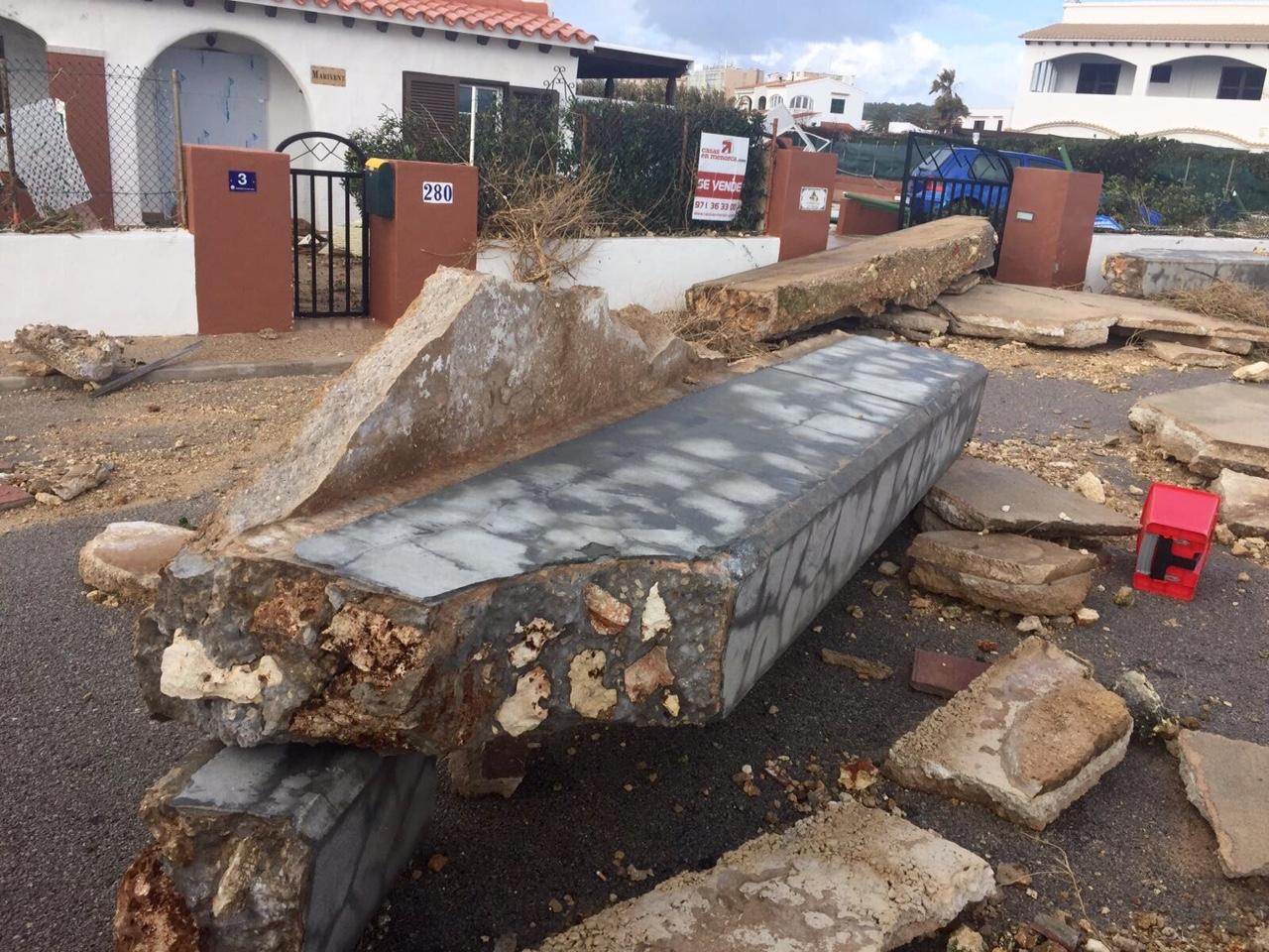 El coste de lso desperfectos provocados por el temporal son enormes en la zona de S'Algar.