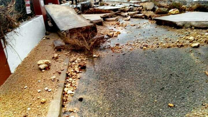 El paseo marítimo de s'Algar quedó destruido en algunos tramos.