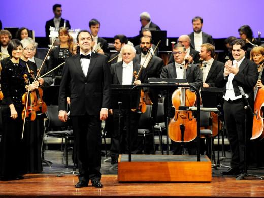 El Principal se llena para escuchar el Concert de Sant Antoni