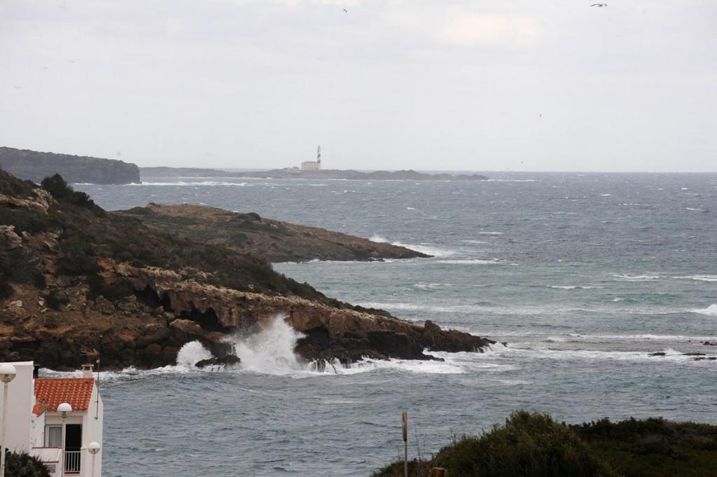 Temporal en Punta Prima (Foto: Tolo Mercadal)