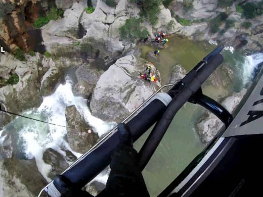 (Vídeo y fotos) Así son los rescates de la Guardia Civil en helicóptero en plena Serra de Tramuntana