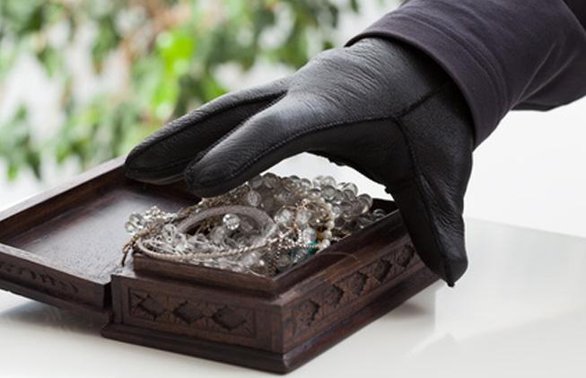 El valor de las joyas robadas asciende a un valor de 7.960 euros.