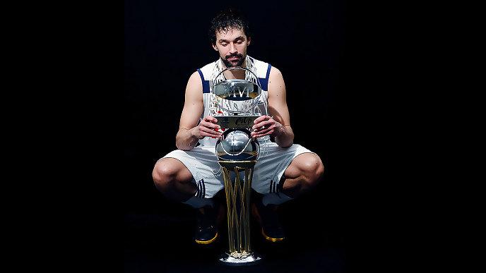 Llull, con el título de Copa y el trofeo de MVP.