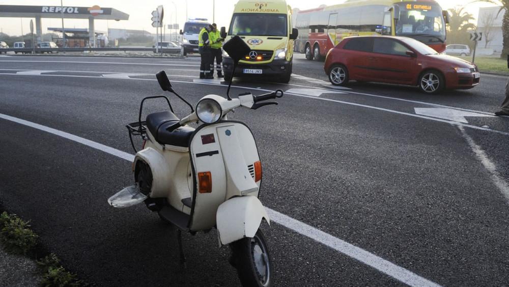 Imagen de la moto accidentada.