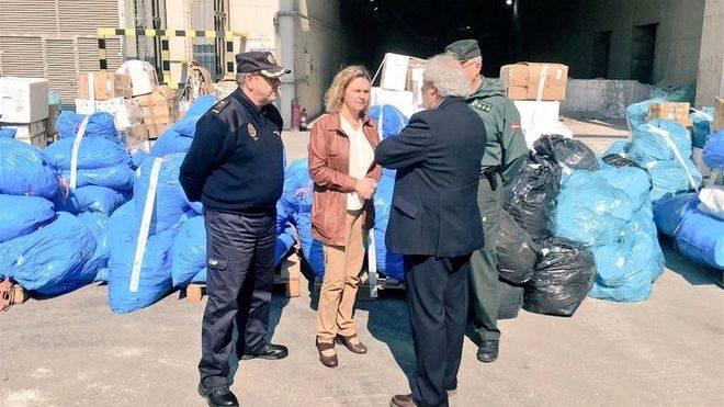 Maria Salom junto a los responsables de Policía Nacional y Guardia Civil en Balears (Foto: mallorcadiario.com)