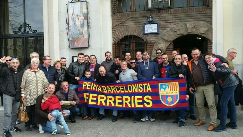 """Miembros de la """"Penya Barcelonista de Ferreries""""."""