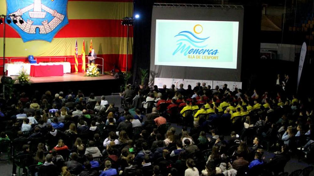 Imagen que presentaba el Pavelló Menorca (Fotos: deportesmenorca.com)