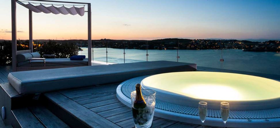 The Times Incluye El Hotel Barceló Hamilton Menorca Entre