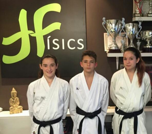 Foto de los tres representantes de la Isla en el campeonato de España (Foto: Físics Ciutadella)