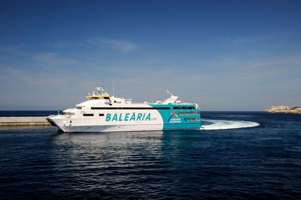Buque de Baleària, una de las compañías que realiza la ruta entre Mallorca y Menorca