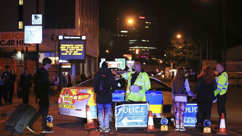 Imagen del lugar del atentado acordonado por la policía.
