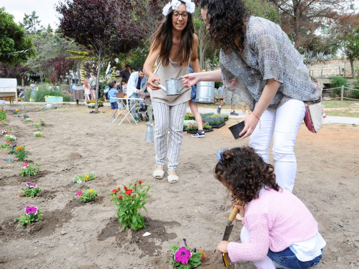 (Fotos) Maó y Sant Lluís viven su fiesta floral