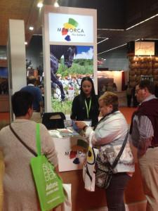 Muchos vascos se interesaron por la oferta vacacional de Menorca.