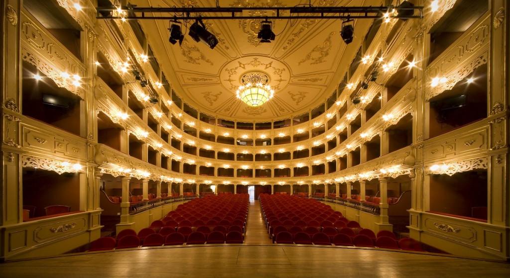 Imagen del interior del teatro.