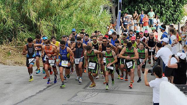 Salida del duatlón del año pasado (Foto: deportesmenorca.com)